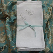 Splendid antique French linen damask table service hunting motifs 12 napkins