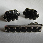 Alligator &quot;Swank&quot; Tie Bar and Cuff Links Set