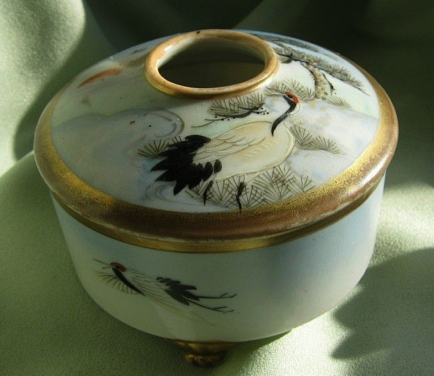 Japanese Porcelain Hair Receiver - Hand Painted