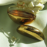 SALE Mary Dunhill's Perfume Flask  w/Glass Stopper Dauber  in Presentation Box