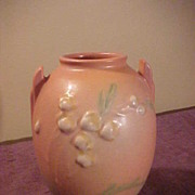 1937 Roseville Ixia Vase in Excellent Condition