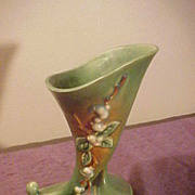 Beautiful Roseville ICC 8 Snowberry Vase in Excellent Condition