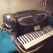 Pristine Vintage Giulietti S 32 Accordion w/ Case
