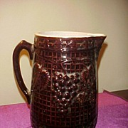 Decent Bennington Grape and Vine Large Pitcher