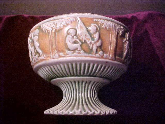 Excellent Donatello Pattern 231 Pedestal Style Bowl
