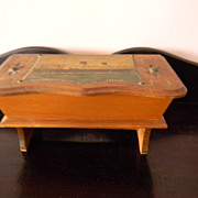 La Havre . Wood Box  . Old Ocean Liner Souvenir