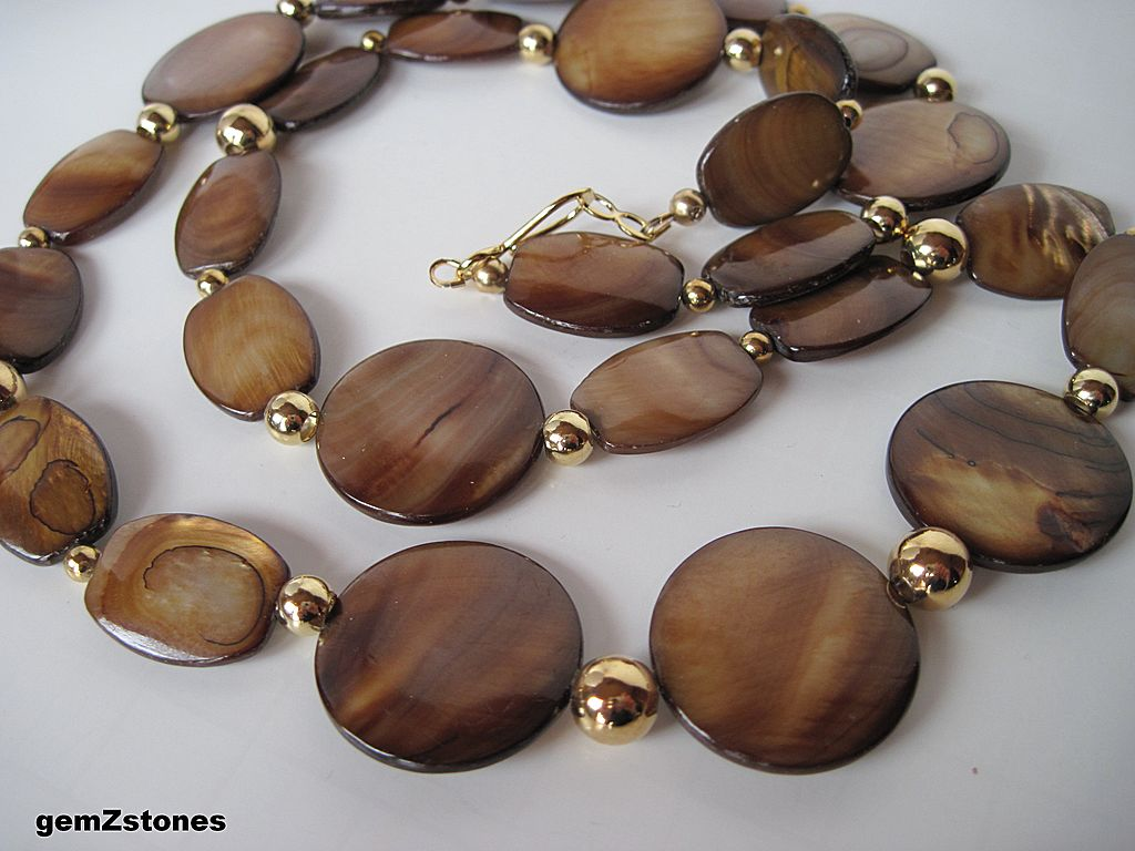 Beautiful Brown And Gold Oyster Shell Single Strand Necklace