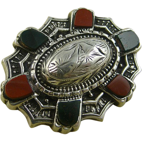 Victorian Scottish Agate Superbly Engraved Silver Brooch