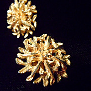 Vintage BSK Goldtone Multi Tiny Leaf Sparkle Earrings