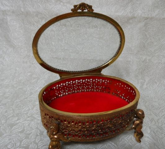 Lovely Cherub Filagree Oval Velvet Lined Jewelry Box Casket