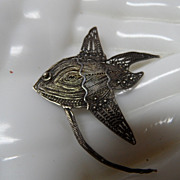 Vintage 900 Silver Filagree FISH Pin Brooch