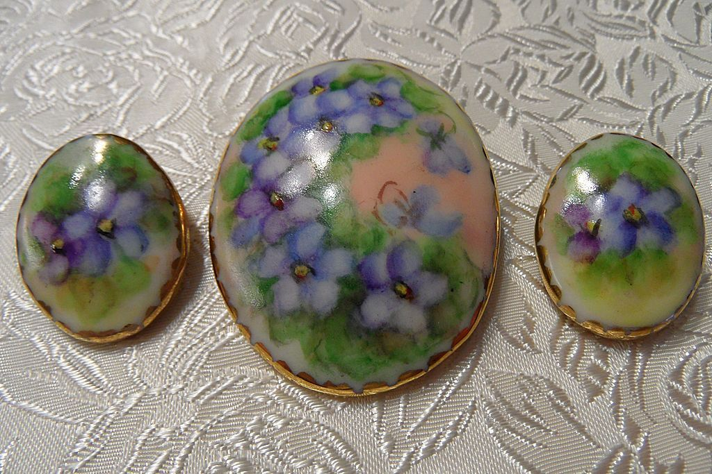 Estate Violet Hand Painted Gold Gild Porcelain Brooch & Earrings