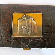 800 gilded silver cigarette case with crocodile skin decoration. Very rare.