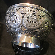 Chinese export hand made silver bowl. Dragons around. Beautiful.