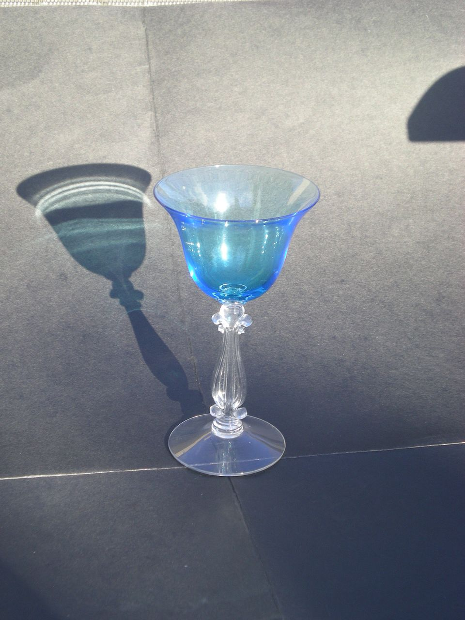 Cambridge Pretty Bright Blue Elegant Depression Glass &quot;Stradivari&quot; stem