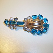 Vintage Rhinestone Banjo shaped brooch,