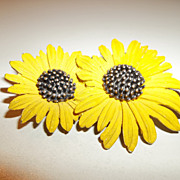 Vintage Ledo yellow flower brooch, 1961