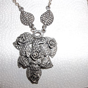 Vintage Early 40's Pot metal Great looking 3-D Rose necklace