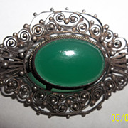 Beautiful clear Chrysoprase gemstone 800 silver brooch