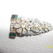 Art Deco rhinestone fur clip with green baguettes rhinestones