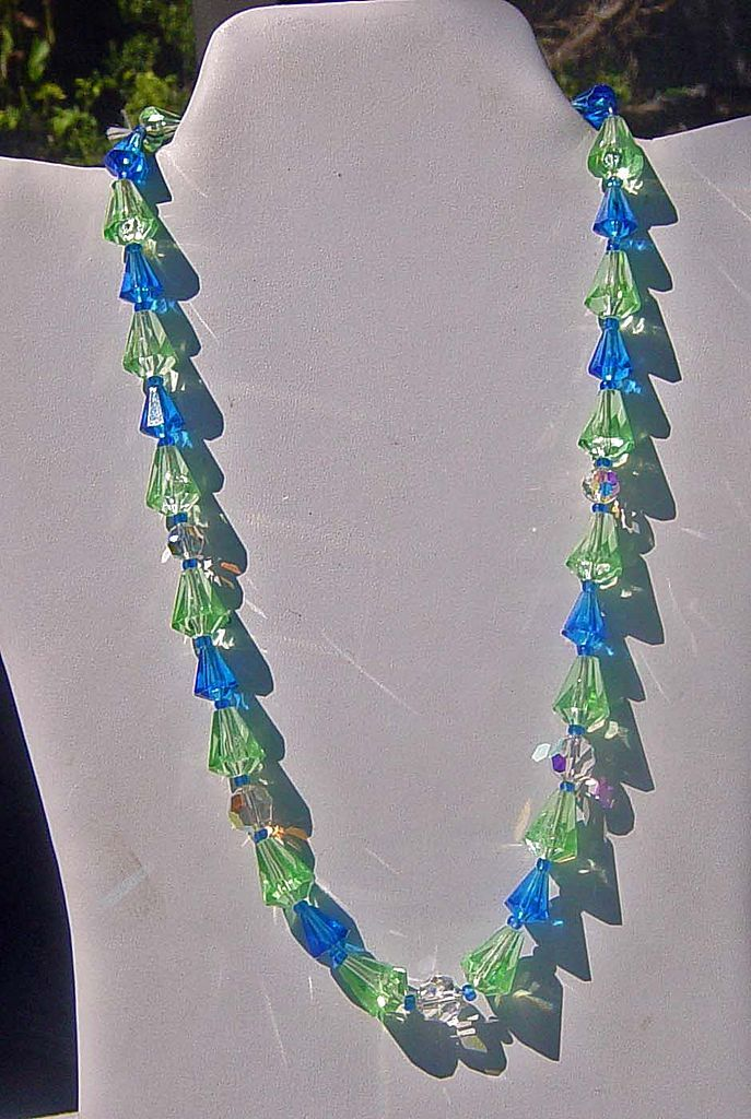 Vintage Western Germany  Bicone Shaped Peridot & Cobalt    Beaded Necklace
