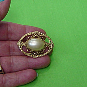 SALE Vintage Faux Pearl Filigree Design Brooch