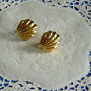 SALE Vintage Napier Clam Shell Clip On Screw On Combination Earrings