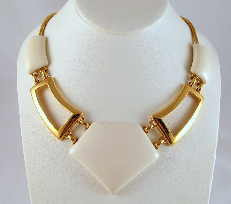Monet Cream Runway Modernist Necklace Gold-tone 1980s