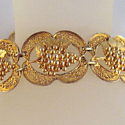 Vintage Gold-tone Grape Bunches Link Bracelet Sport Ring Clasp