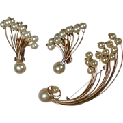 Vintage KRAMER Faux Pearls & Goldtone ~FIREWORKS~ Demi Parure Pin & Earrings