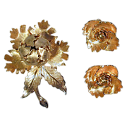 Book Piece WARNER 'Night-and-Day' Rose Pin & Earrings Set