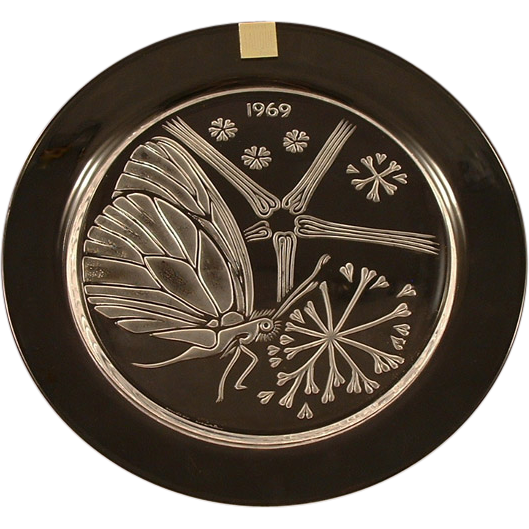 "Lalique Crystal 1969 ""Papillon""  Butterfly Annual Plate  Fifth in a Series"