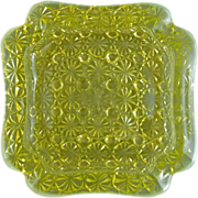 Vaseline Opalescent Uranium Glass Cigar Ash Receiver Daisy Button Pattern