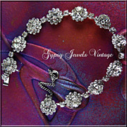 Sparkling Vintage White Ice Rosettes Bracelet