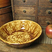 Beautiful Old Spongeware Yellowware  Nappy Bowl