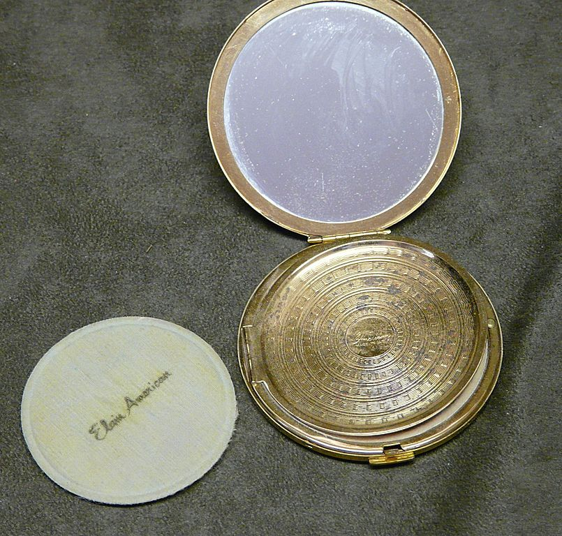 Elgin American Gold Tone Compact With Original Box/Puff