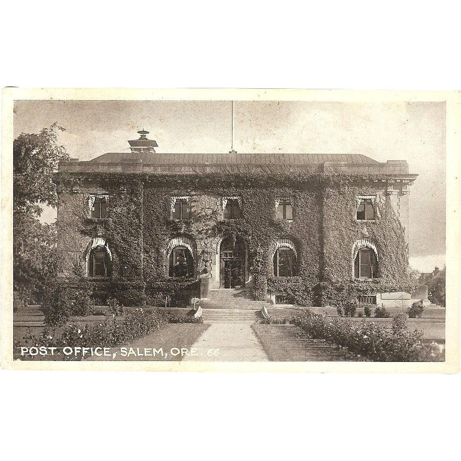 RPPC of &quot;Salem Oregon Post Office&quot;