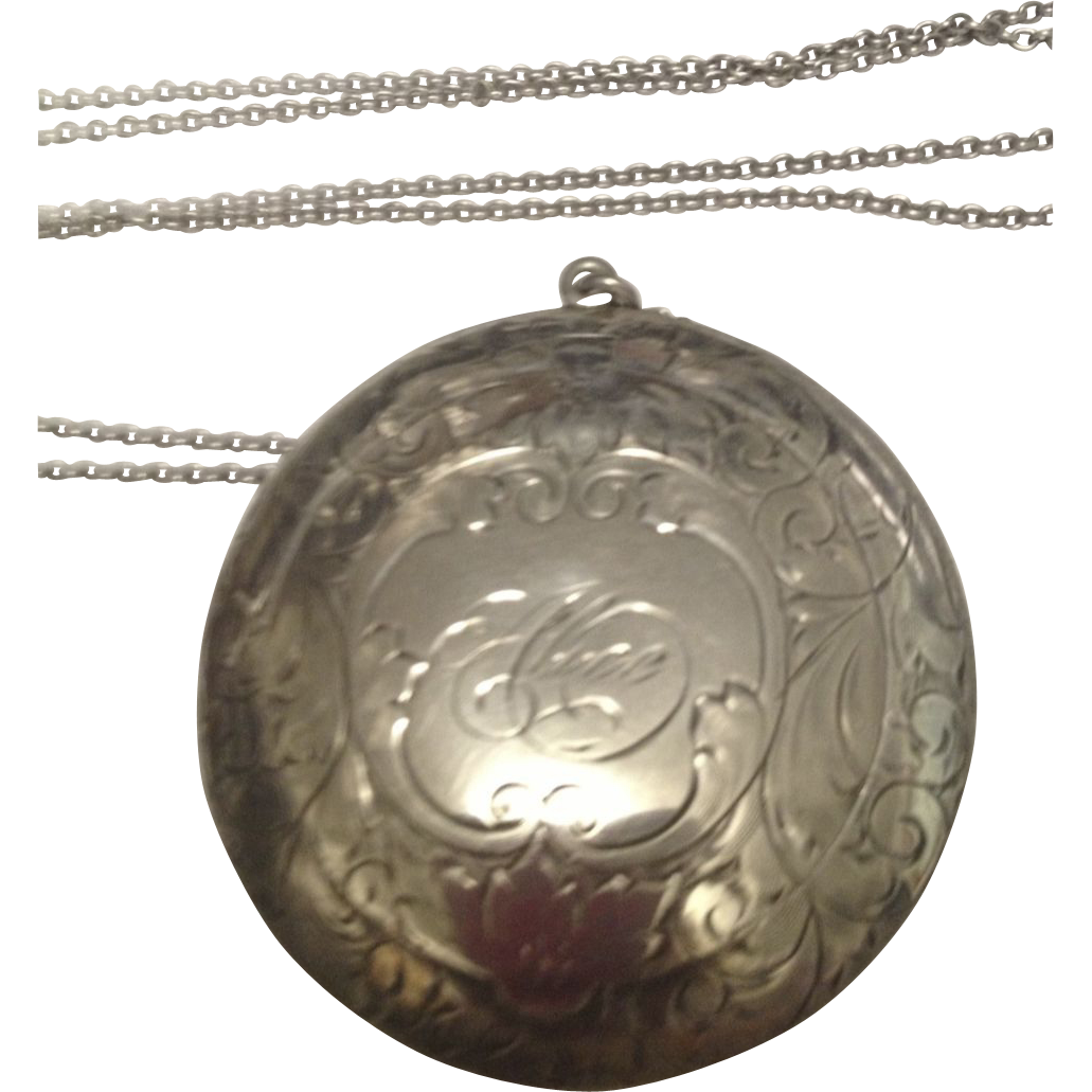 1900's Fancy Sterling Silver Compact w/ long chain