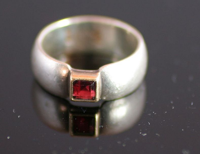 Sterling Silver 14k & Garnet Modern Design Ring