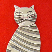 Mr. Personality - A Handsome Tiger Cat Pin in Sterling Silver