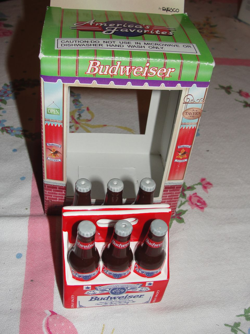 Enesco Budweiser 6-pack Bottles Salt and Pepper Shakers