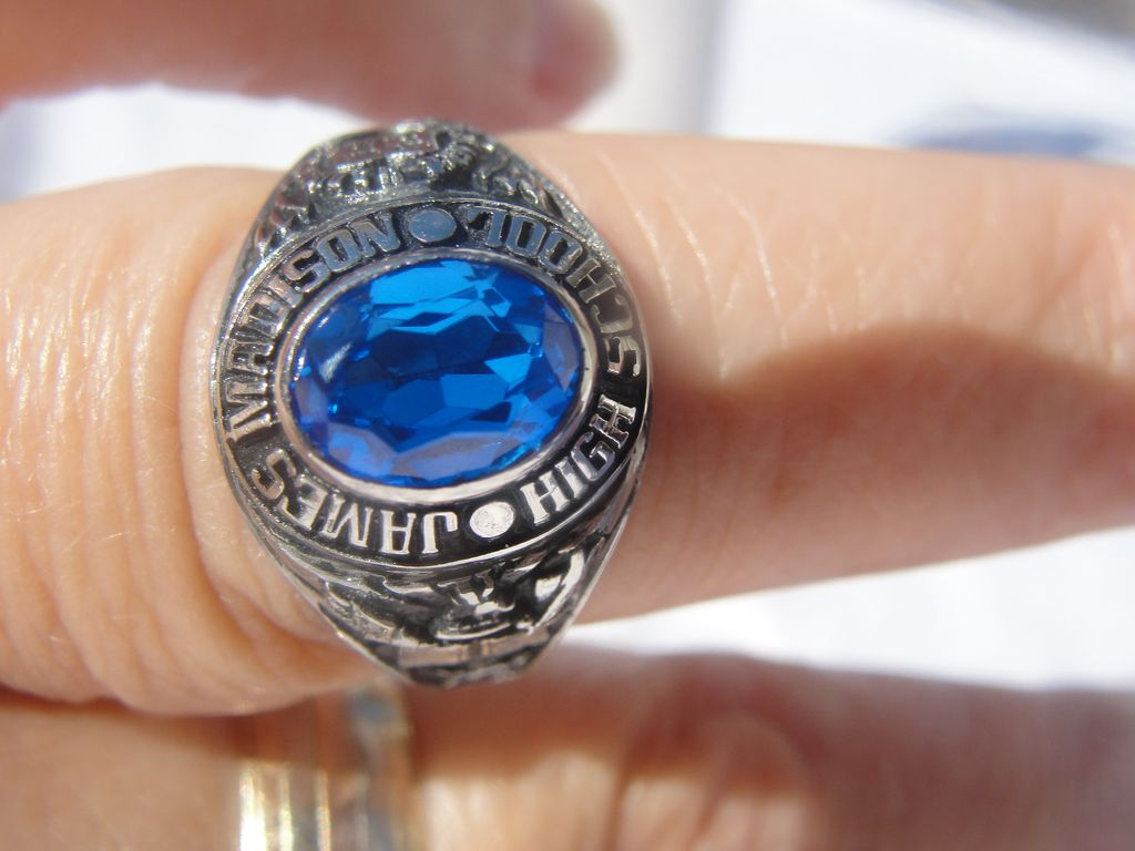 James Madison High School Class Ring - Free Shipping