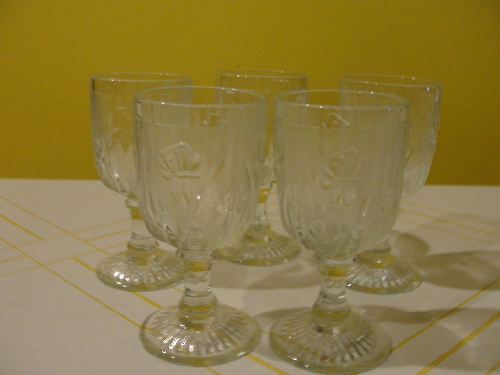 Iris and Herringbone Wine Glasses