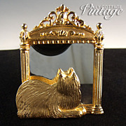 Vintage cat in mirror brooch by J J