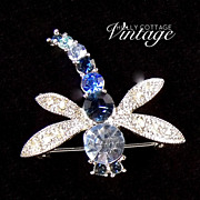 SOLD Vintage dragonfly rhinestone brooch - Red Tag Sale Item