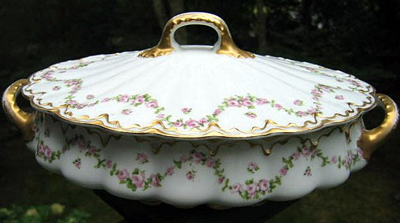 Antique Haviland Limoges Covered Tureen Schleiger 1114