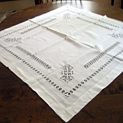 Vintage English Table Cloth Hand Drawn Thread Pattern