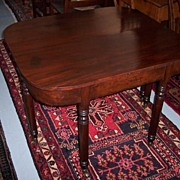 REDUCED Ca. 1810 American Federal Sheraton Mahogany Dining Table
