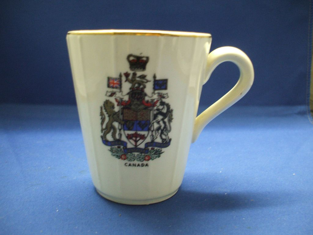 Decalcraft Canada Coat of Arms Souvenir Mug Pottery