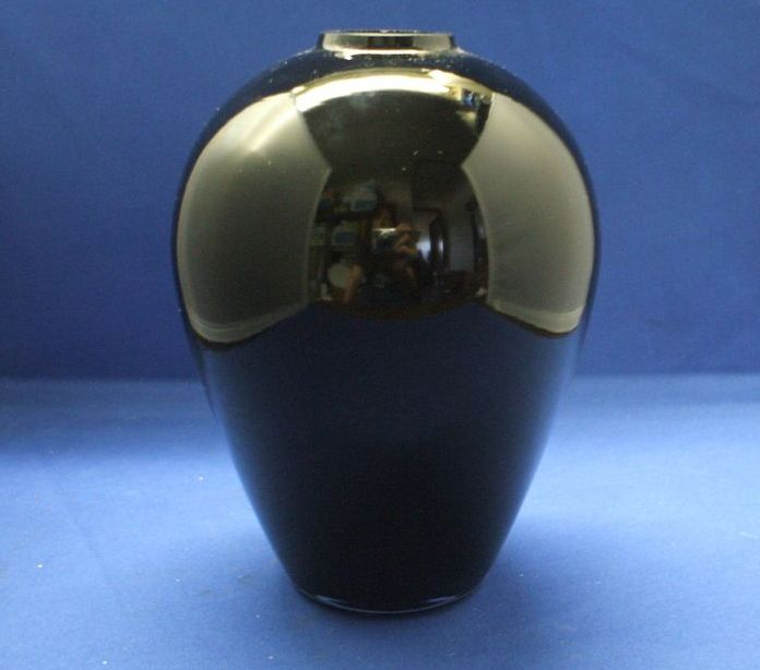Laslo for Mikasa Black Glass Vase 6 1/2""